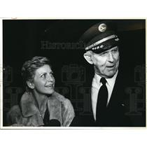 1983 Press Photo Eastern Airlines Capt. Larkin W. Roberts, Wife Jova Portland