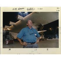 1992 Press Photo Howard Lovering, Director Evergreen AirVenture Museum