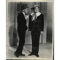 1962 Press Photo Bob Hope & guest star Frank Sinatra in a duet skit, Small Fry