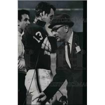 Press Photo #13 Frank Ryan talking on headset Coach Blanton Collier - cvb67423