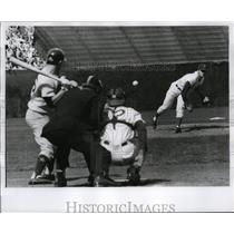 1970 Press Photo Cubs Bill Hands pitches to a Houston Astros batter