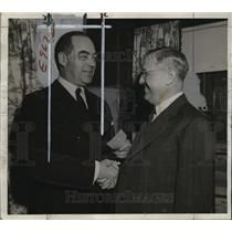 1943 Press Photo Walter Kasten, chairman of the 1943 war fund drive- Red Cross