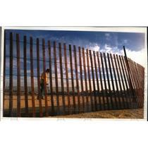 1993 Press Photo Carl Jourdain pleasant, sunny weather on Bradford Beach