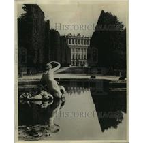 1931 Press Photo Schoenbrunn Gardens, looking from the Neptune Fountain