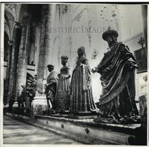 1991 Press Photo  The Black Men Bronze Statues at Innsbruck's Hofkirche, Austria