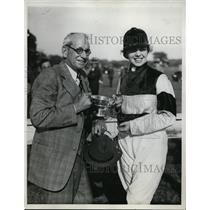 1933 Press Photo New York Geraldine Redmond wins Race for Lady Riders NYC
