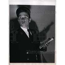 1946 Press Photo New York Conductor on strike George Kriloff in uniform NYC
