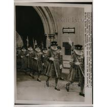 1953 Press Photo Queen's Guard marched at Westminster Abbey for final Rehearsal