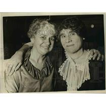 1925 Press Photo Separated sisters Janette Busse & Mrs Jefferson Haile reunited