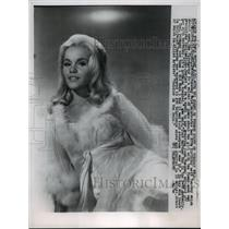 1963 Press Photo Tuesday Weld celebrates her 20th birthday in Hollywood