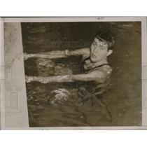 1936 Press Photo Yale swimming team captain Norris Hoyt wins 440 yd freestyle