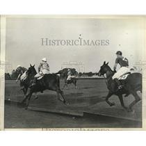 1935 Press Photo Greentree polo team defeats Hurricanes in Waterbury Cup