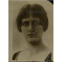 1916 Press Photo Widow of Baron Petre renounced social activity  - nef02994