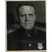 1920 Press Photo Police Sgt. Fred W. Schutt of Information Burea - nef05044