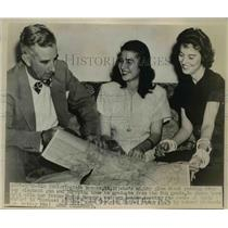 1947 Press Photo Virginia Brooks and her parents trace route of their safari