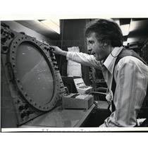 1979 Press Photo Mike Gulbranson, Spokane International Airport Air Controller
