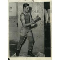 1927 Press Photo Boxer Frankie Klick at a training session in a gym - net14417