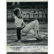 1984 Press Photo Tim Lambert third basemman number 6 hit by pitch - orc12662