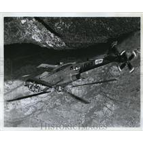1968 Press Photo Fixed Wing Airplane & Vertical Takeoff & Landing of Helicopter
