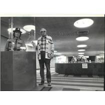 1980 Press Photo Hortencia Krieske, Elbert Nasser at Spokane Airport - spa28251