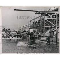 1936 Press Photo National AAU 1 mile free style championship race Wingard wins