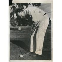 1938 Press Photo Rep Scott W Lucas of Illinois golfs in Florida on vacation