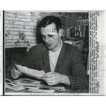 1960 Press Photo Boxer Paul Pender after win vs Sugar Ray Robinson in MA