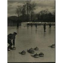 Press Photo Curling, Sport, Wisconsin  - mjx01984