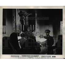 "1960 Press Photo Nazi Mistreats nun in ""Conspiracy of Hearts"" - orp30004"