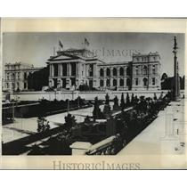 1930 Press Photo Government building at Sao Paulo, Brazil, which may fall