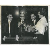 1968 Press Photo Reunion Marroned Pilots Snowfall Drink