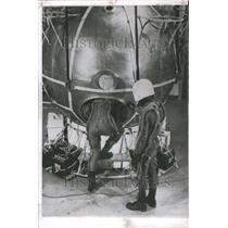 1958 Press Photo Commander Malcolm Ross & M. Lee Lewis - RRR44687