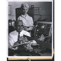 1960 Press Photo Al Strohauer Ultra Sonic Mathematics