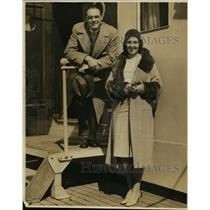 1930 Press Photo James and Mrs. Bird Arrive on Matson Liner To Visit Airports