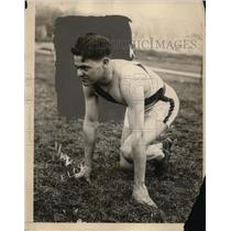 1925 Press Photo University of Illnois track sprinter Hale ready for a race