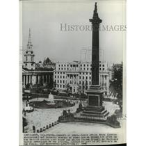 1940 Press Photo South Africa House & Nelson Column in London Damaged by Raids