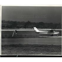 1989 Press Photo A plane at Crites Field - mja21582