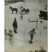 1927 Press Photo Snow Shoe Race Winner Beatriz Thorne at Lake Placid New York