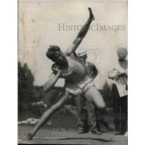 1924 Press Photo Hastranft throws the shot putt at a track meet - net03549