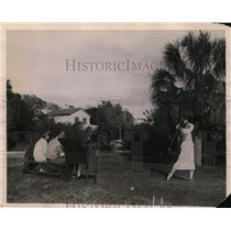 1923 Press Photo Golfer Constance Peabody at Everglades Golf Course, Palm Beach