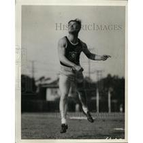 1928 Press Photo Javelin thrower demonstrates correct technique - net07545