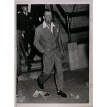 1936 Press Photo Boxer Jack Sharkey leaves Yankee Stadium after Joe Louis fight