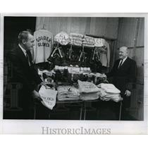 1966 Press Photo John Pellmann with Clarence Kenney survey boxing equipments