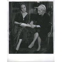 1957 Press Photo Lillian Gish - Actress