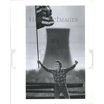 1991 Press Photo Daniel Toro against nuclear power.