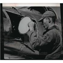 1963 Press Photo Filter paper was placed in a U-2 plane - mja32281