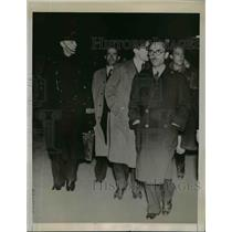 1939 Press Photo Segismundo Casado at Victoria Station, London, England