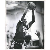 1969 Press Photo Jim Brewer Basketball Detroit Pistons - RRR51435