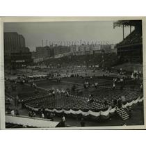 1935 Press Photo Fans at a arena set up for a boxing match - net20723