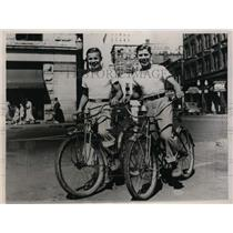 1937 Press Photo Bobby Wright and Grady Wells return from bicycle trip